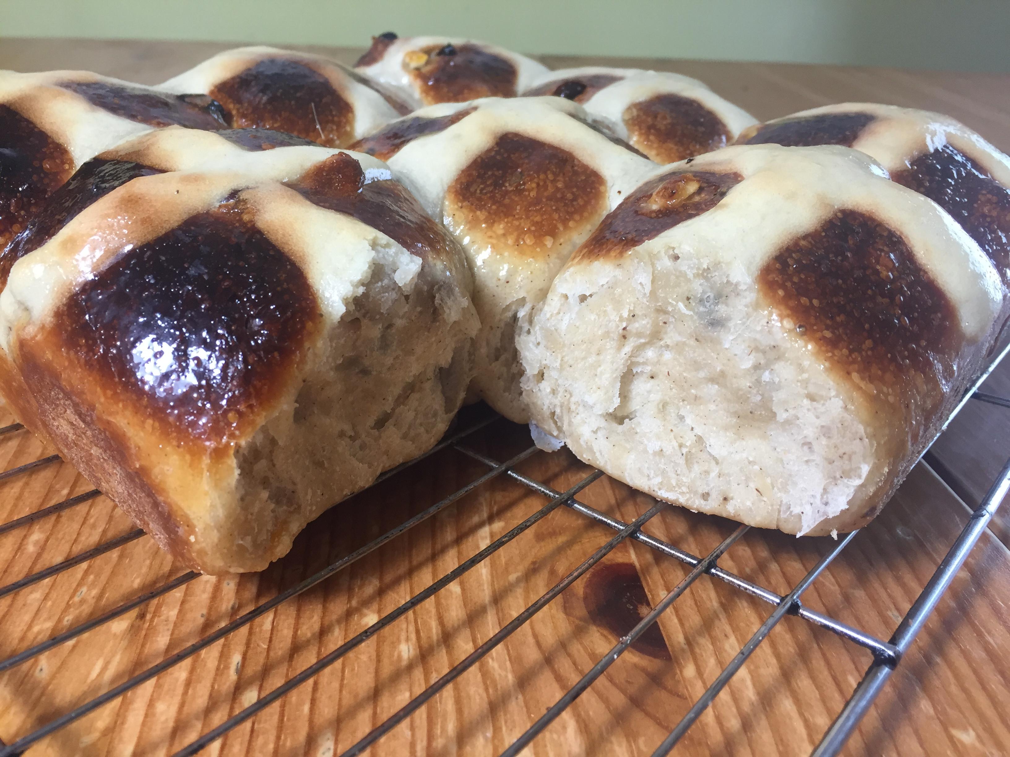 Homemade hot cross buns recipe