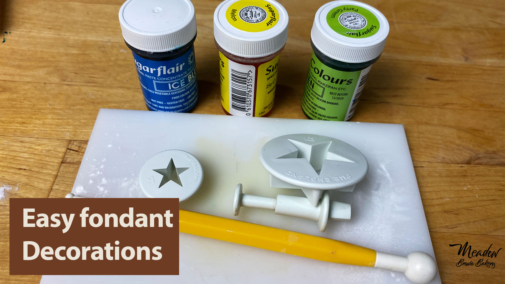 How to make fondant decorations for beginners
