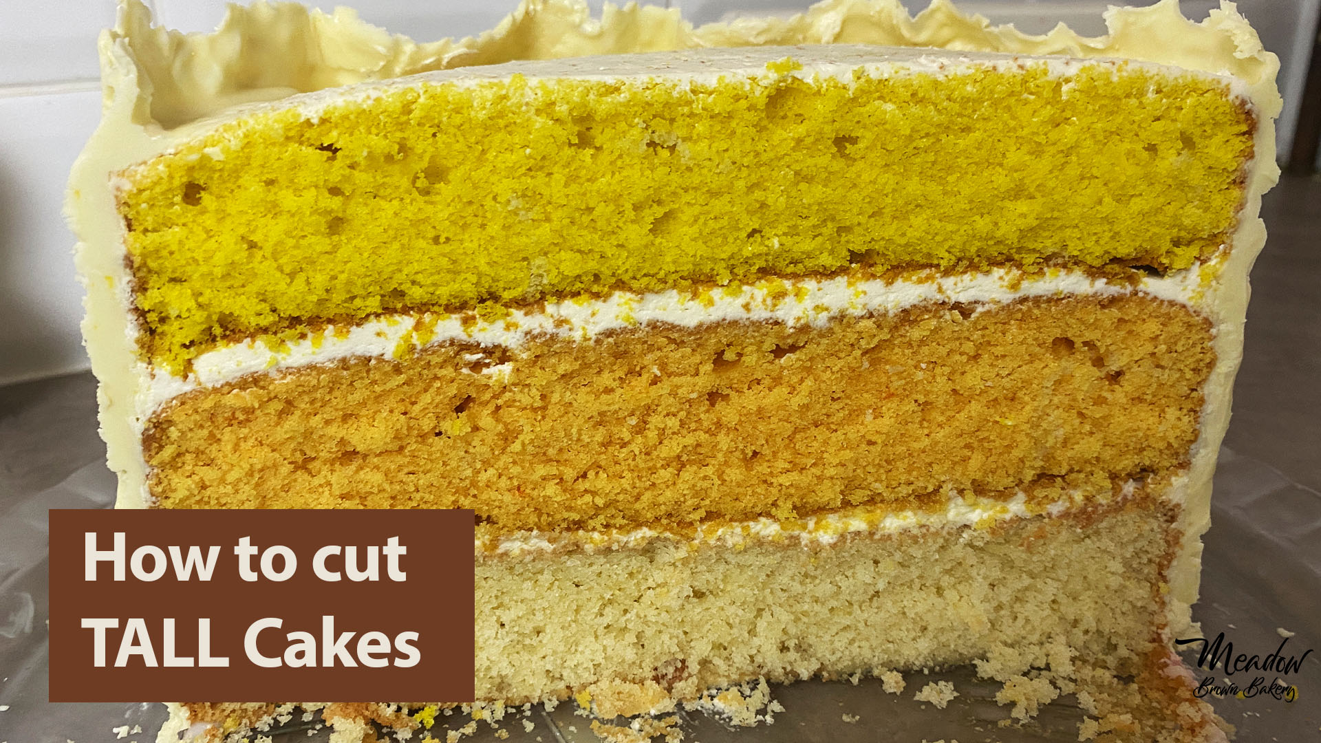 Tall cake cutting guide